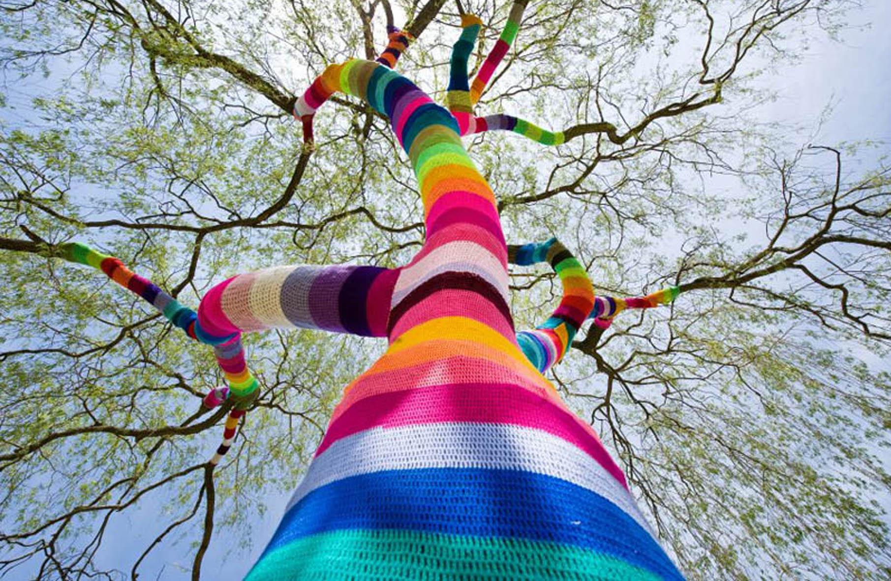 Street art yarn crochet